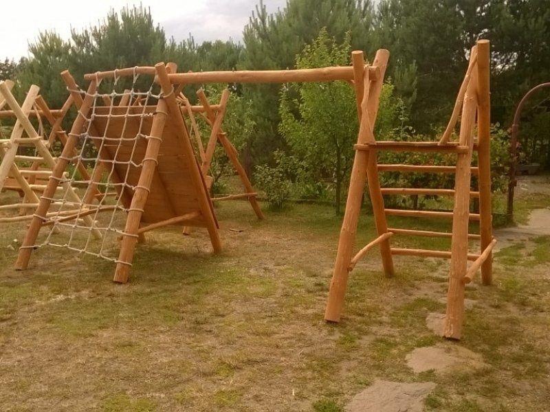 Drewniany domek ogrodowy dla dzieci