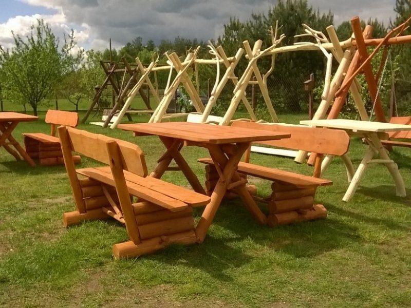 Drewniany biesiadny zestaw ogrodowy