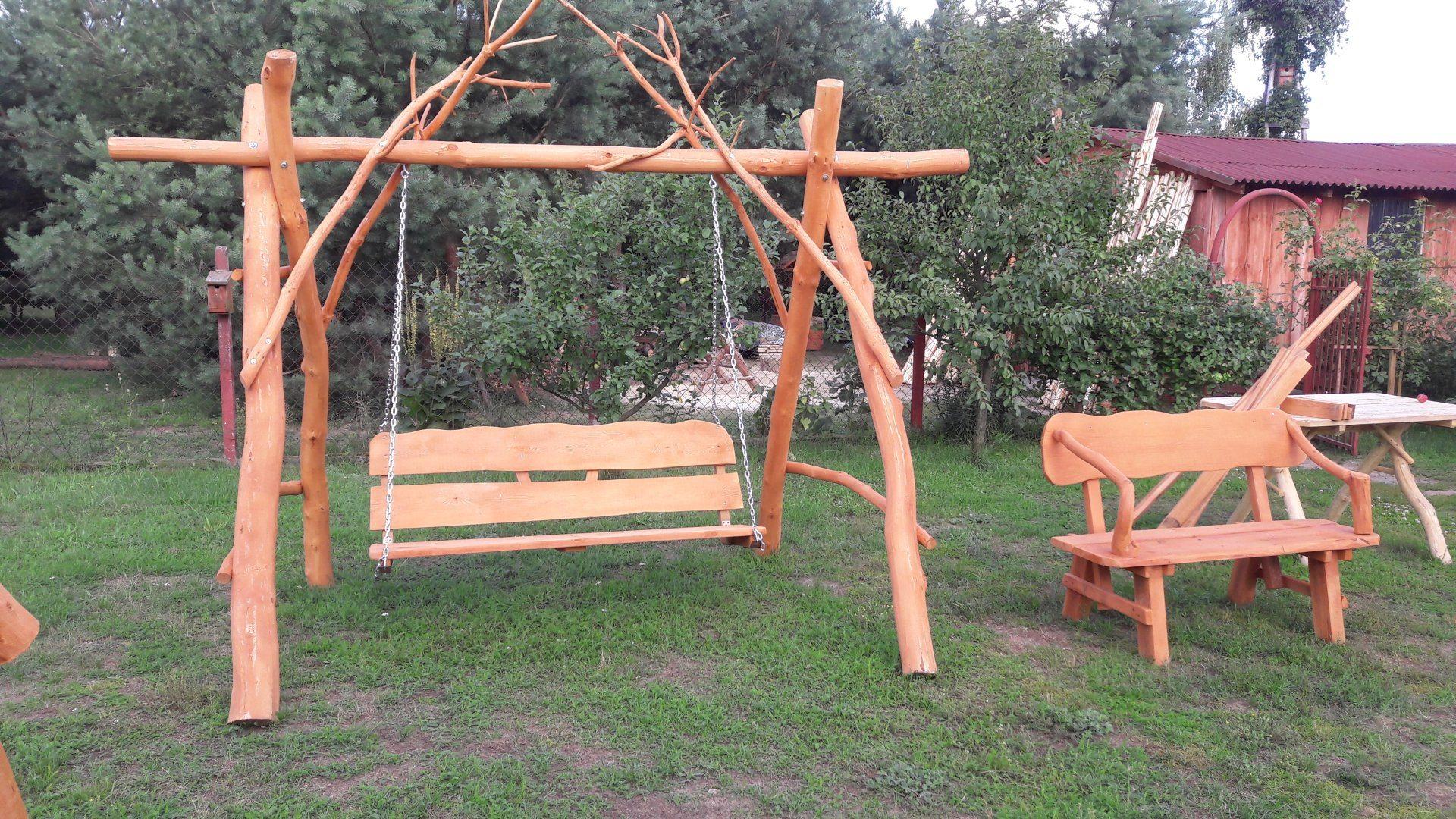 Huśtawka ogrodowa z drewna